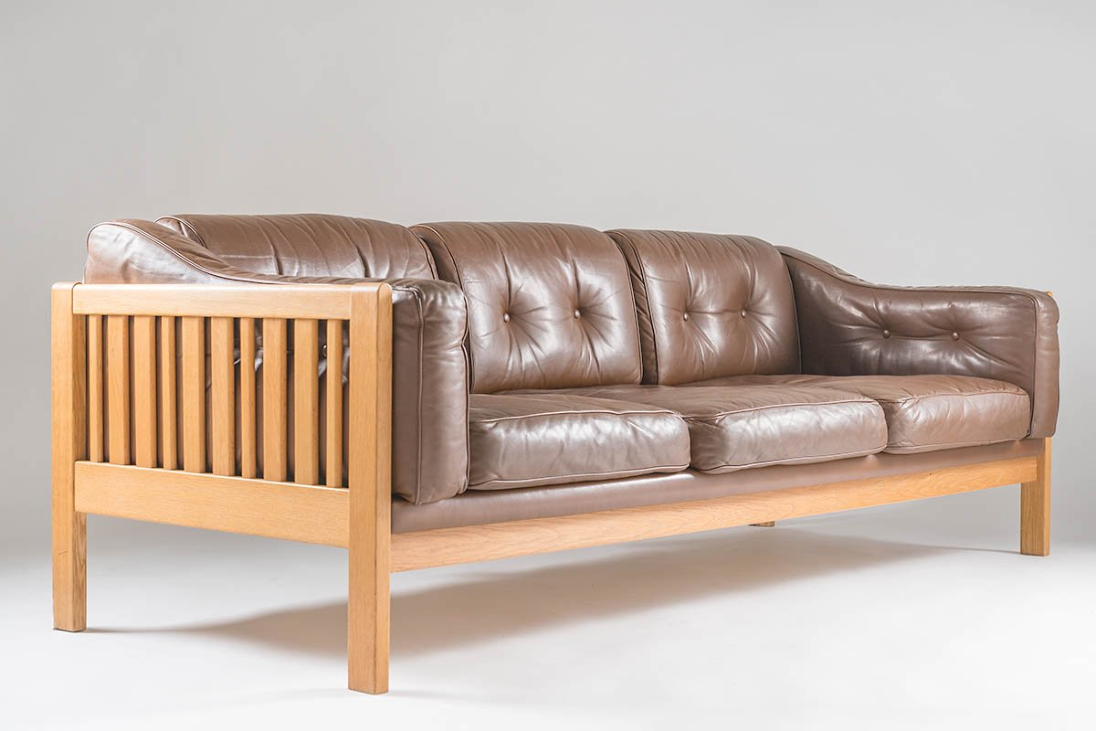 Mid Century Swedish Monte Carlo Sofa In Oak And Leather By Yngvar Stockum  For Futura Möbler, 1965