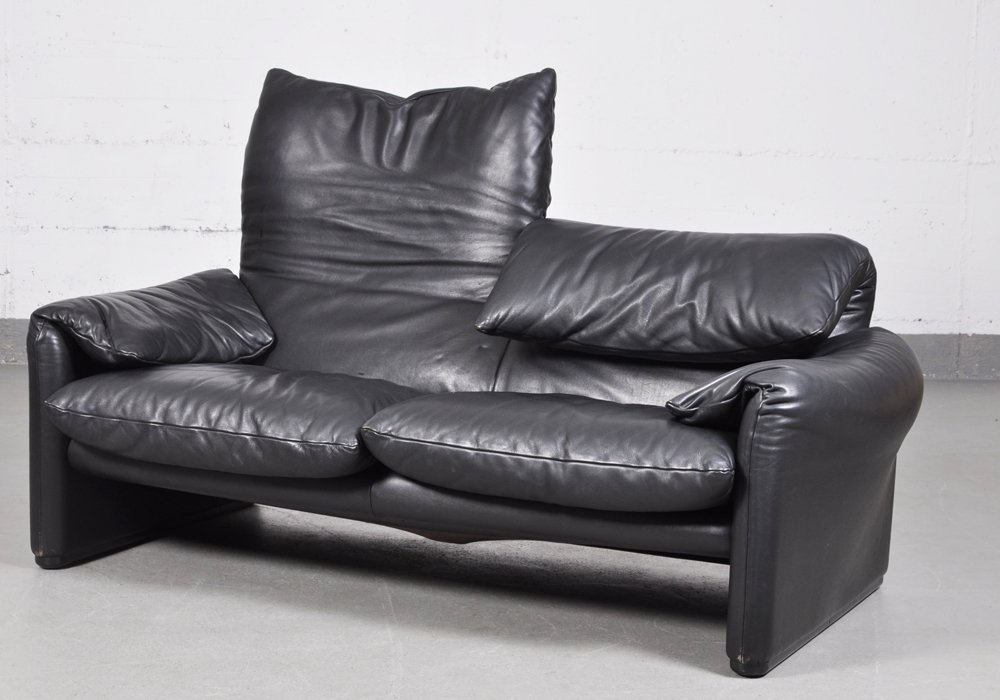 vintage maralunga black leather two seater sofa by vico magistretti for cassina for sale at pamono. Black Bedroom Furniture Sets. Home Design Ideas