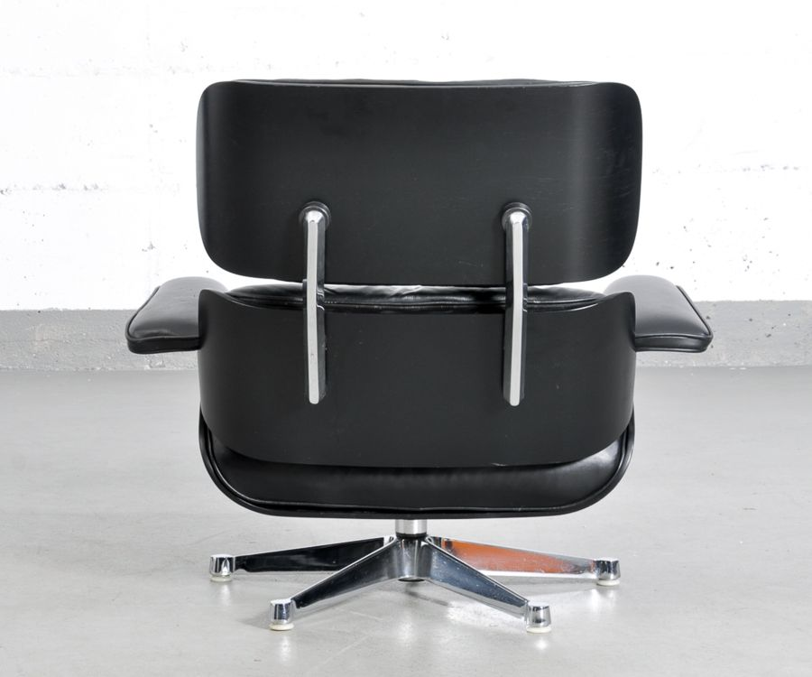 black lounge chair by charles ray eames for vitra for. Black Bedroom Furniture Sets. Home Design Ideas