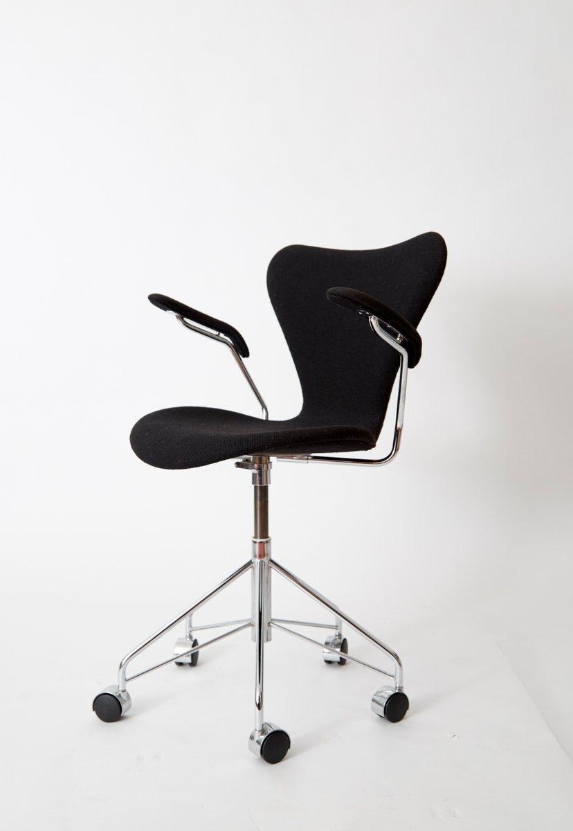vintage series 7 number 3217 stuhl von arne jacobsen f r. Black Bedroom Furniture Sets. Home Design Ideas
