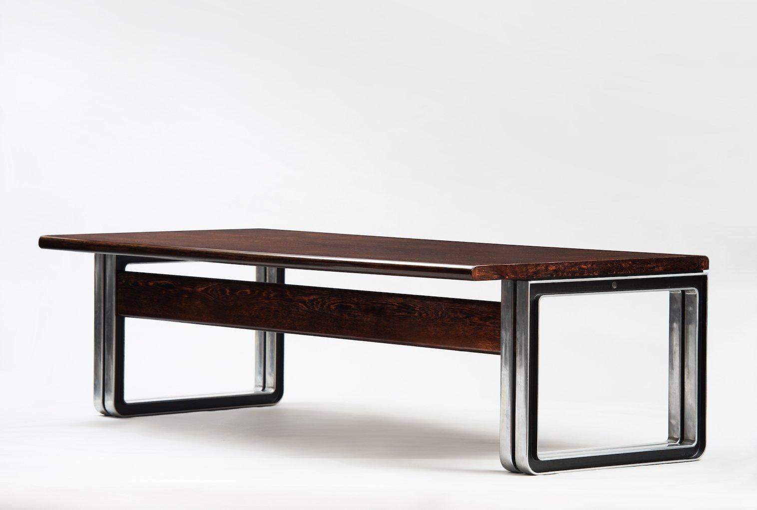 Bureau vintage en weng par osvaldo borsani pour tecno en for Bureau wenge