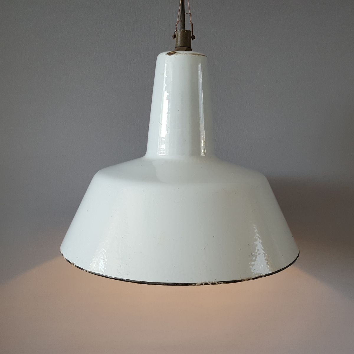 Lampe suspension vintage industrielle en mail en vente sur pamono - Lampe suspension industrielle ...