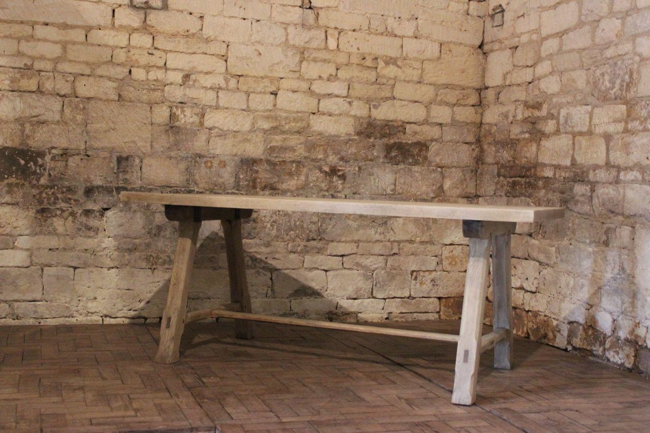 Tavolo da pranzo antico in rovere sbiancato, Francia in vendita su Pamono