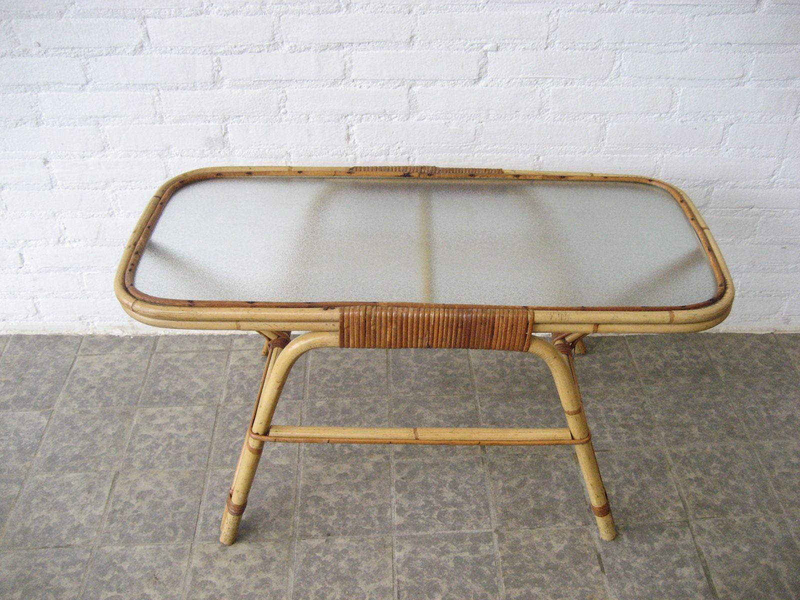 vintage rattan beistelltisch mit glasplatte bei pamono kaufen. Black Bedroom Furniture Sets. Home Design Ideas