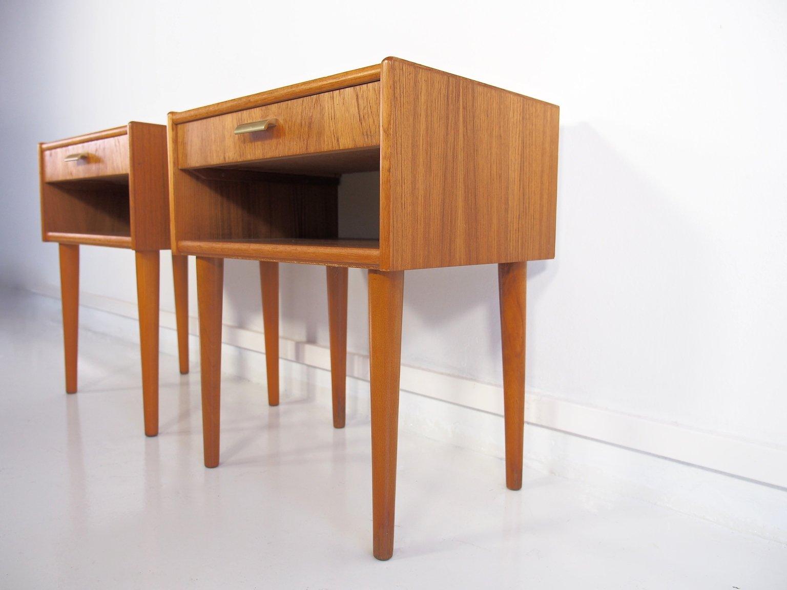 tables de nuit vintage moderne en teck scandinavie set de 2 en vente sur pamono. Black Bedroom Furniture Sets. Home Design Ideas