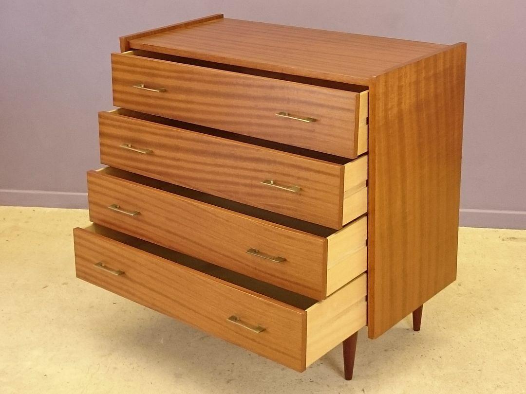 commode en bois avec quatre tiroirs 1960s en vente sur pamono. Black Bedroom Furniture Sets. Home Design Ideas