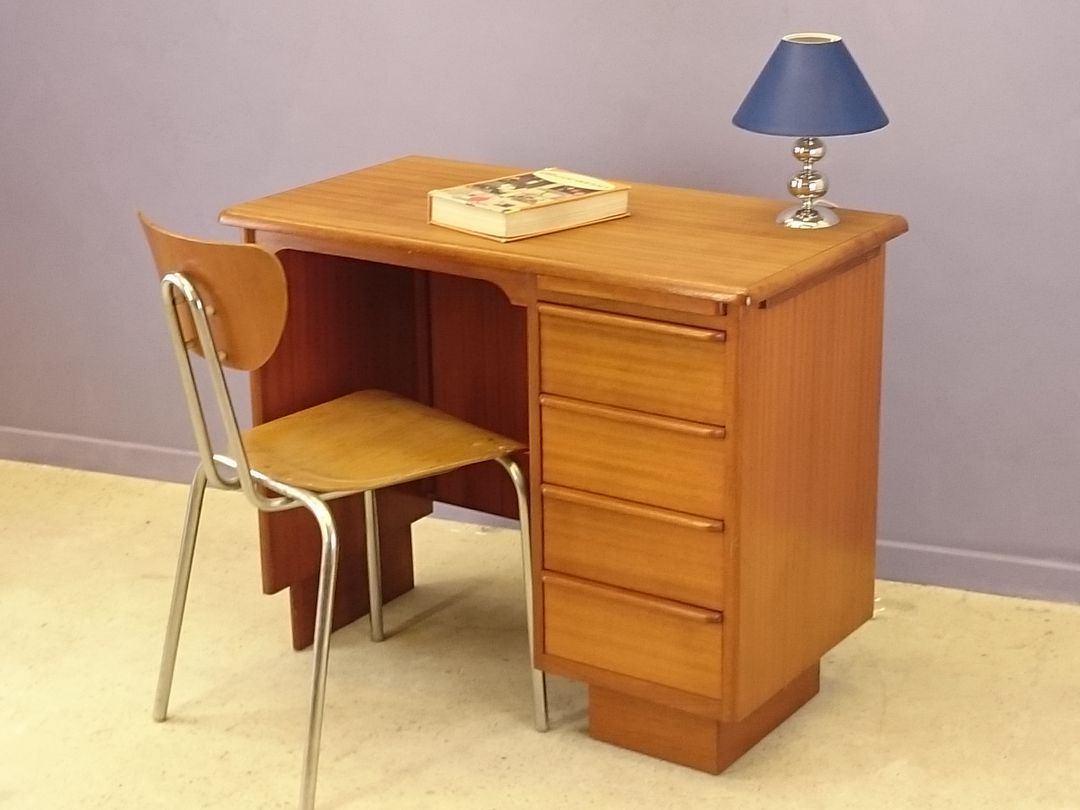 petit bureau en teck scandinavie 1950s en vente sur pamono. Black Bedroom Furniture Sets. Home Design Ideas