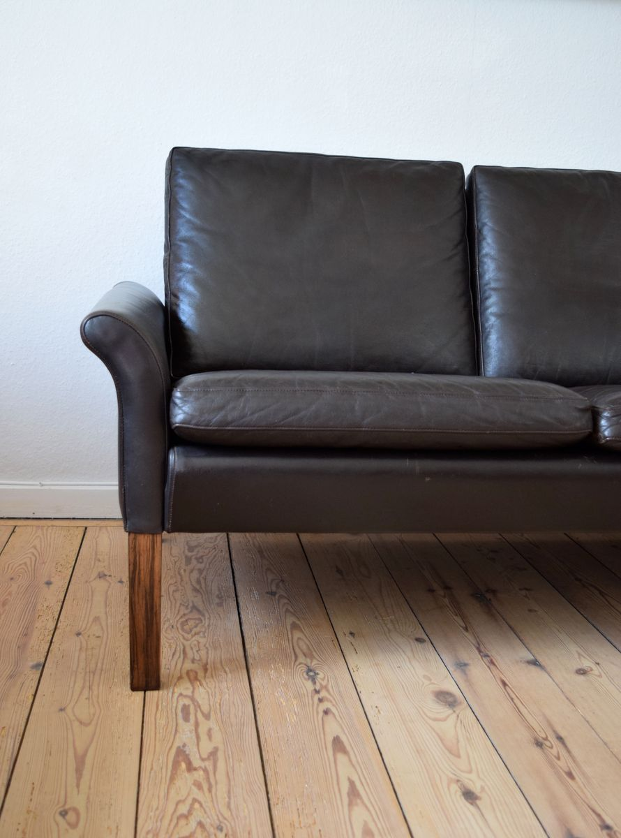 d nisches dunkelbraunes drei sitzer ledersofa 1960er bei. Black Bedroom Furniture Sets. Home Design Ideas