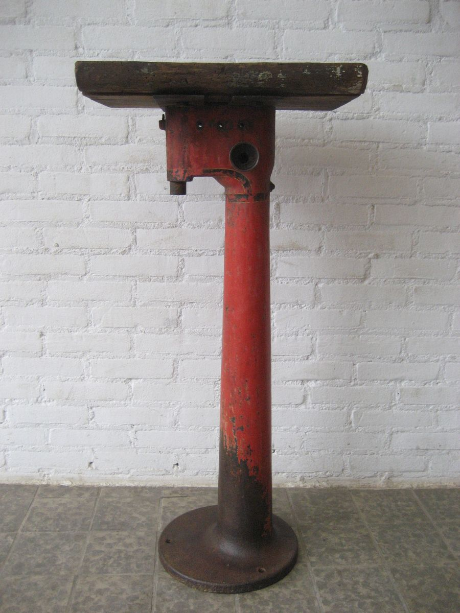 Cast Iron Columns : Industrial machine foot cast iron column for sale at pamono