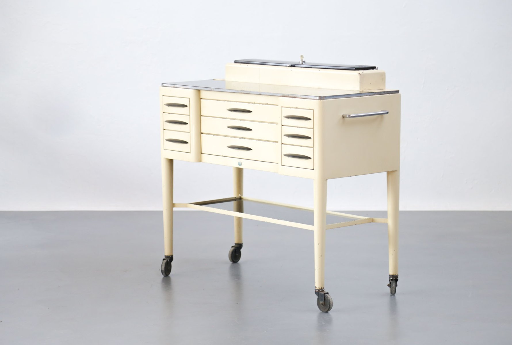 commode de dentiste en fer verre 1950s en vente sur pamono. Black Bedroom Furniture Sets. Home Design Ideas