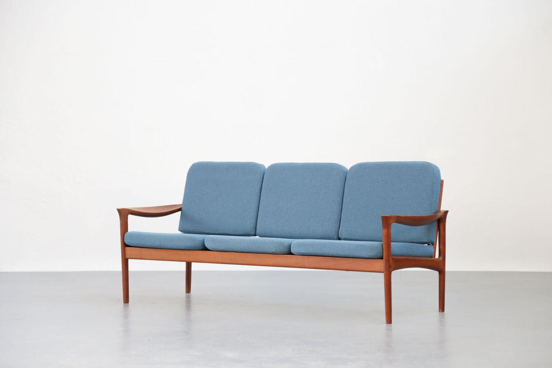 canap en teck tissu bleu danemark 1960s en vente sur. Black Bedroom Furniture Sets. Home Design Ideas