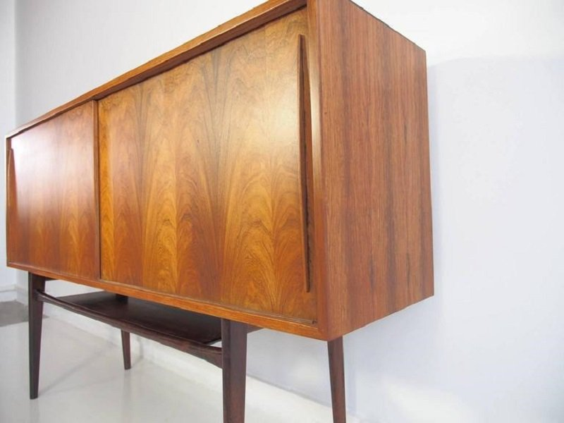 mid century palisander sideboard mit schiebet ren bei. Black Bedroom Furniture Sets. Home Design Ideas