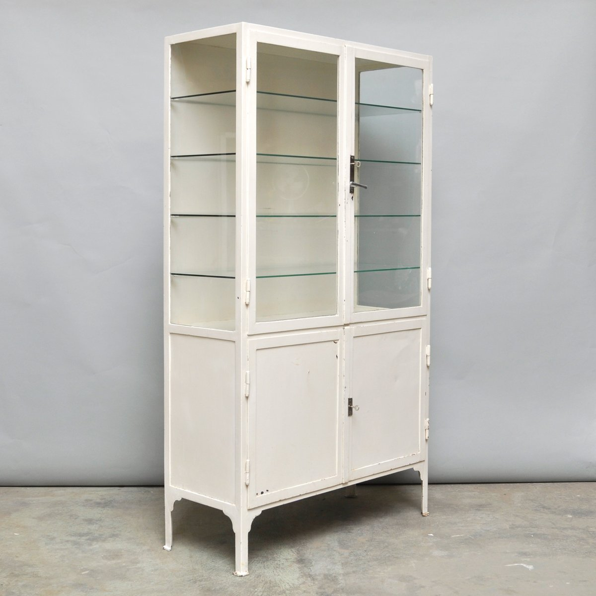 armoire m dicale vintage en acier et verre 1940s en vente. Black Bedroom Furniture Sets. Home Design Ideas