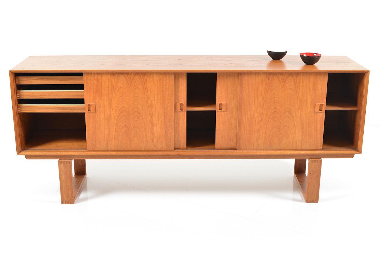 mid century danish sideboard in teak for sale at pamono. Black Bedroom Furniture Sets. Home Design Ideas