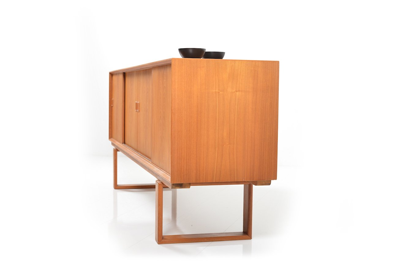 mid century danish sideboard in teak for sale at pamono. Black Bedroom Furniture Sets. Home Design Ideas