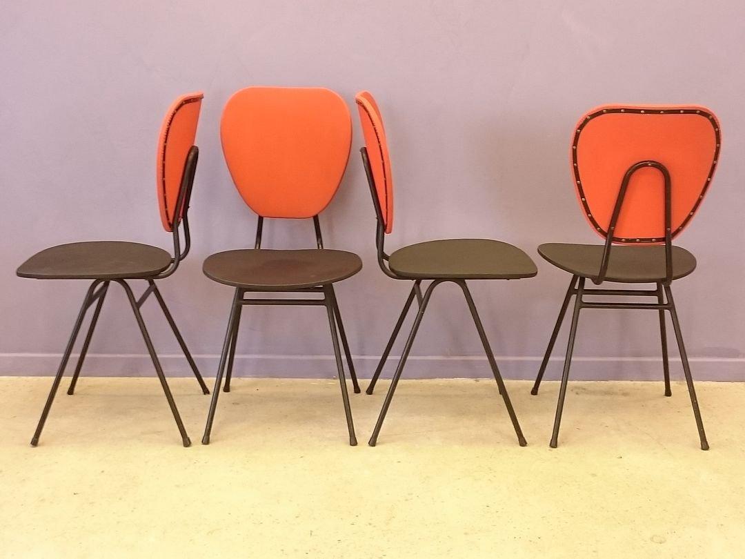 chaises rouges et bleues avec pieds compas par jacques hitier 1950s set de 4 en vente sur pamono. Black Bedroom Furniture Sets. Home Design Ideas