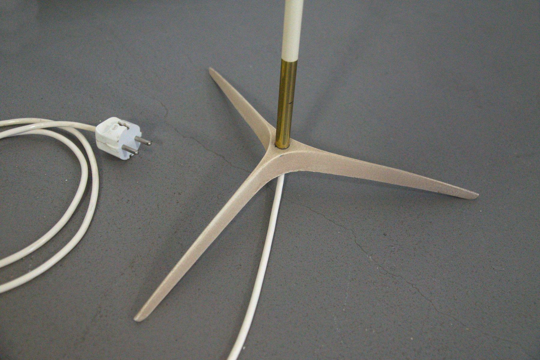 deutsche stehlampe mit kr henfu und plissiertem schirm. Black Bedroom Furniture Sets. Home Design Ideas