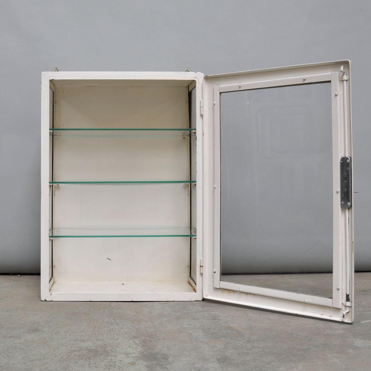 petit meuble de rangement medical suspendu 1960s en vente sur pamono. Black Bedroom Furniture Sets. Home Design Ideas