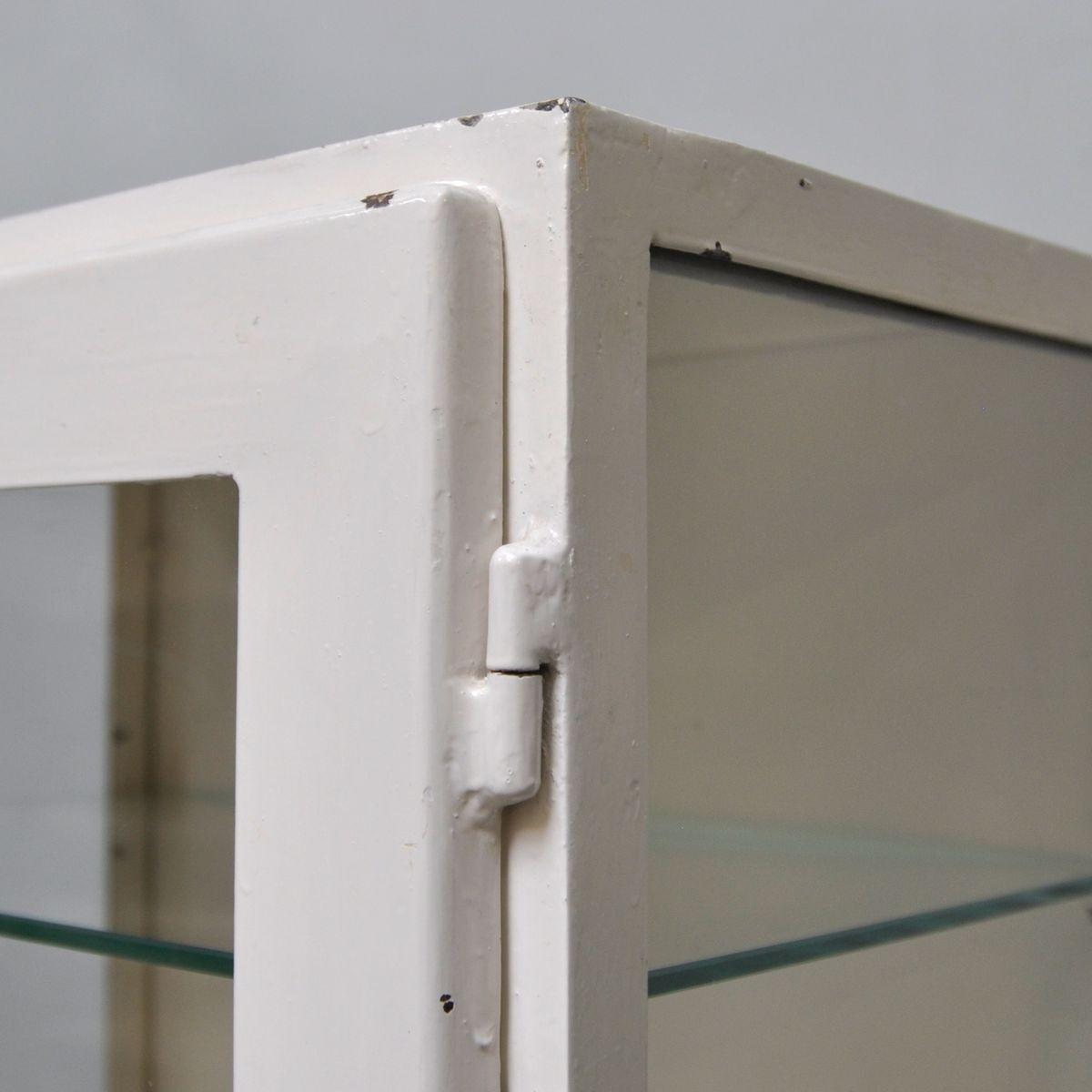 Petit meuble de rangement medical suspendu 1960s en vente for Petit meubles de rangement