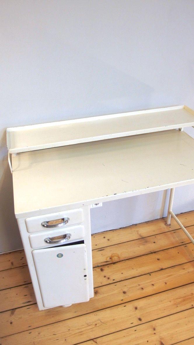 Petit meuble de rangement m dical industriel en blanc for Petit meuble de rangement blanc