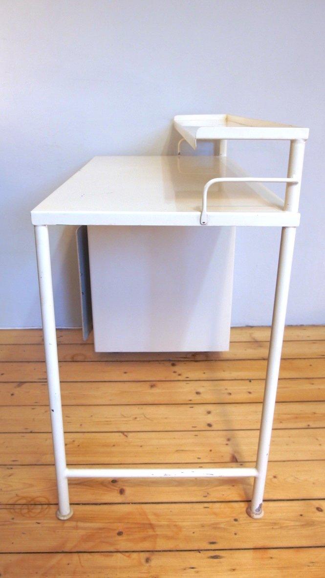 Petit meuble de rangement m dical industriel en blanc - Petit meuble de rangement blanc ...
