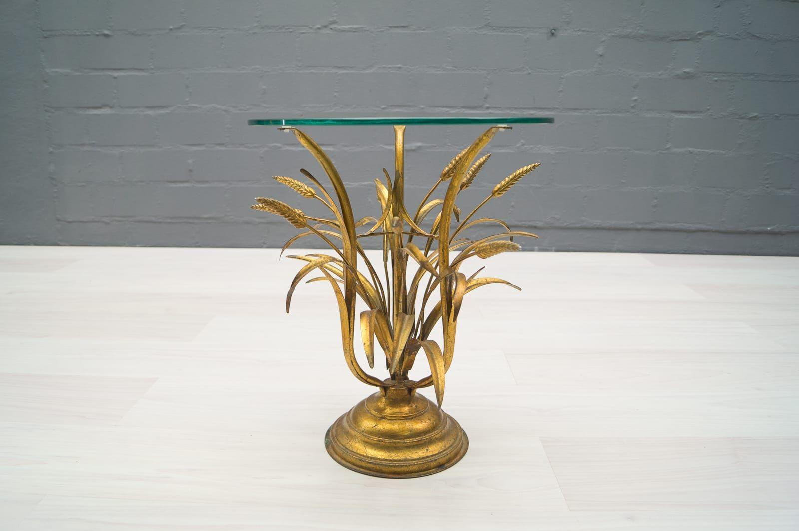 Mid century wheat sheaf coffee table irish antique dealers - Hollywood Regency Wheat Sheaf Side Table In Gold 1960s For Sale At Pamono
