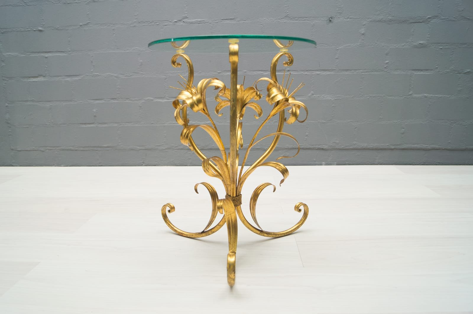Vintage Hollywood Regency Side Table In Gold, 1960s