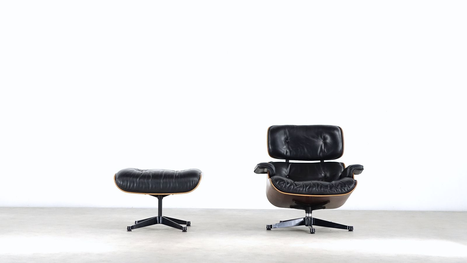 Eames lounge chair ottoman by charles ray eames for for Eames chair nachbau england