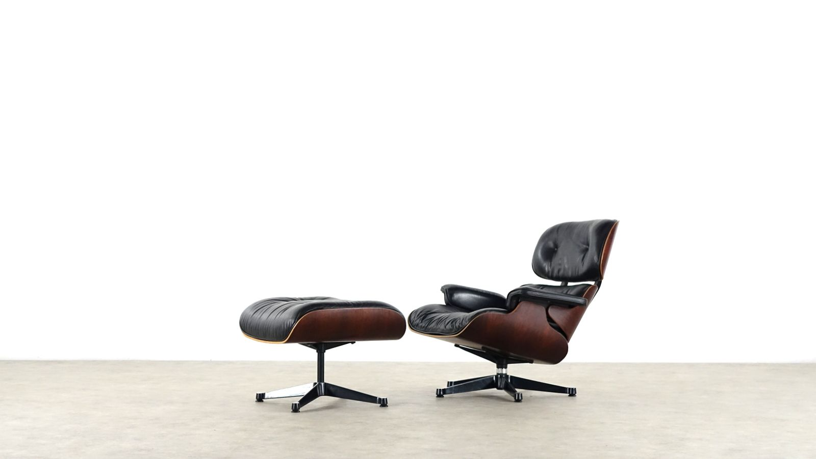 Eames lounge chair ottoman by charles ray eames for herman miller - Herman miller france ...