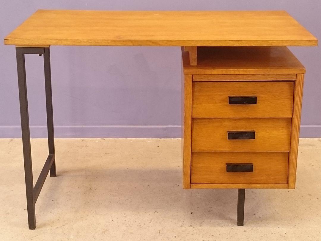 bureau cm 172 von pierre paulin f r thonet bei pamono kaufen. Black Bedroom Furniture Sets. Home Design Ideas
