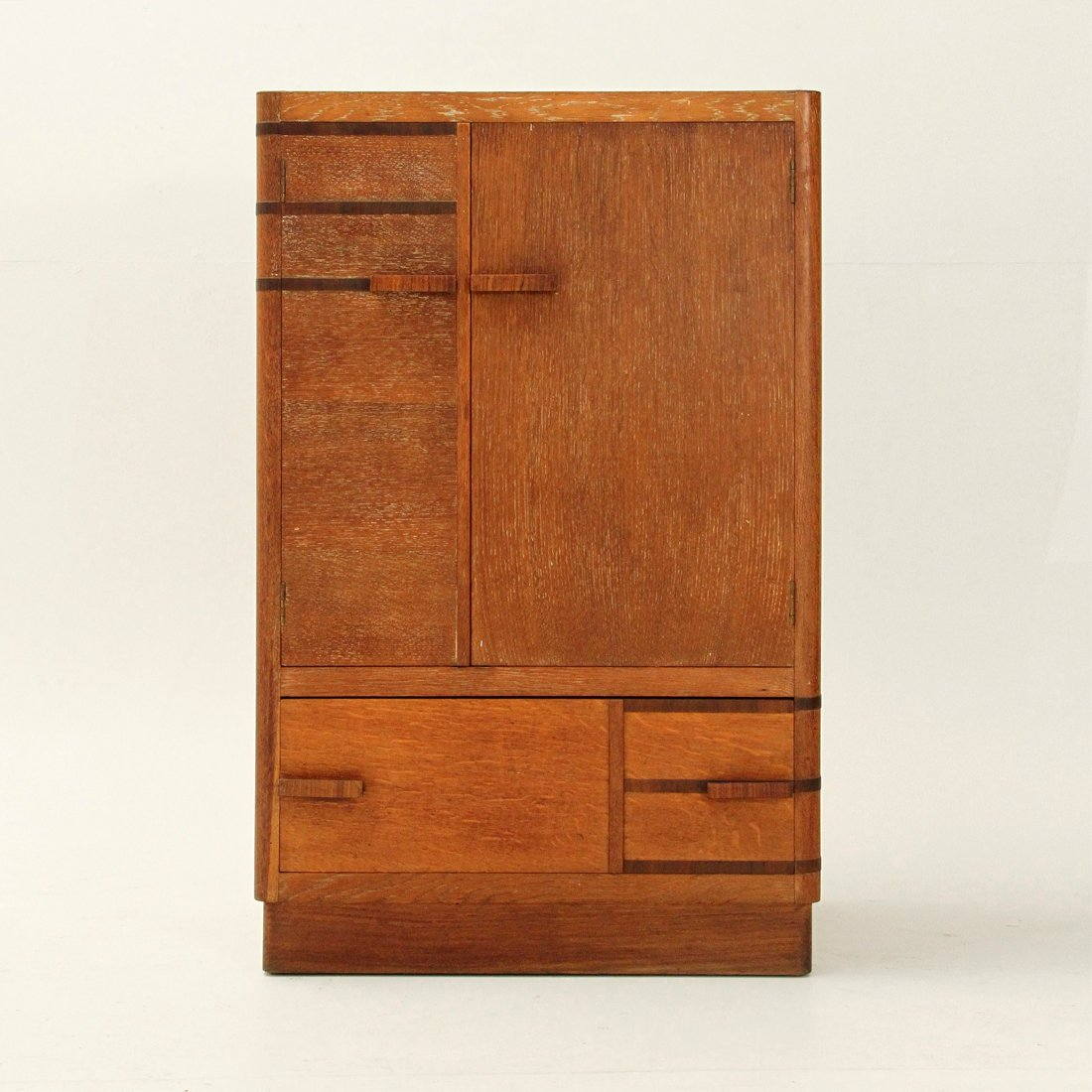 armoire rationnaliste italie 1940s en vente sur pamono. Black Bedroom Furniture Sets. Home Design Ideas