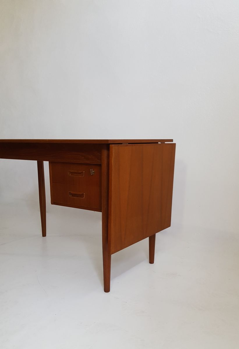 skandinavischer vintage schreibtisch von gunnar nielsen tibergaard 1960er bei pamono kaufen. Black Bedroom Furniture Sets. Home Design Ideas