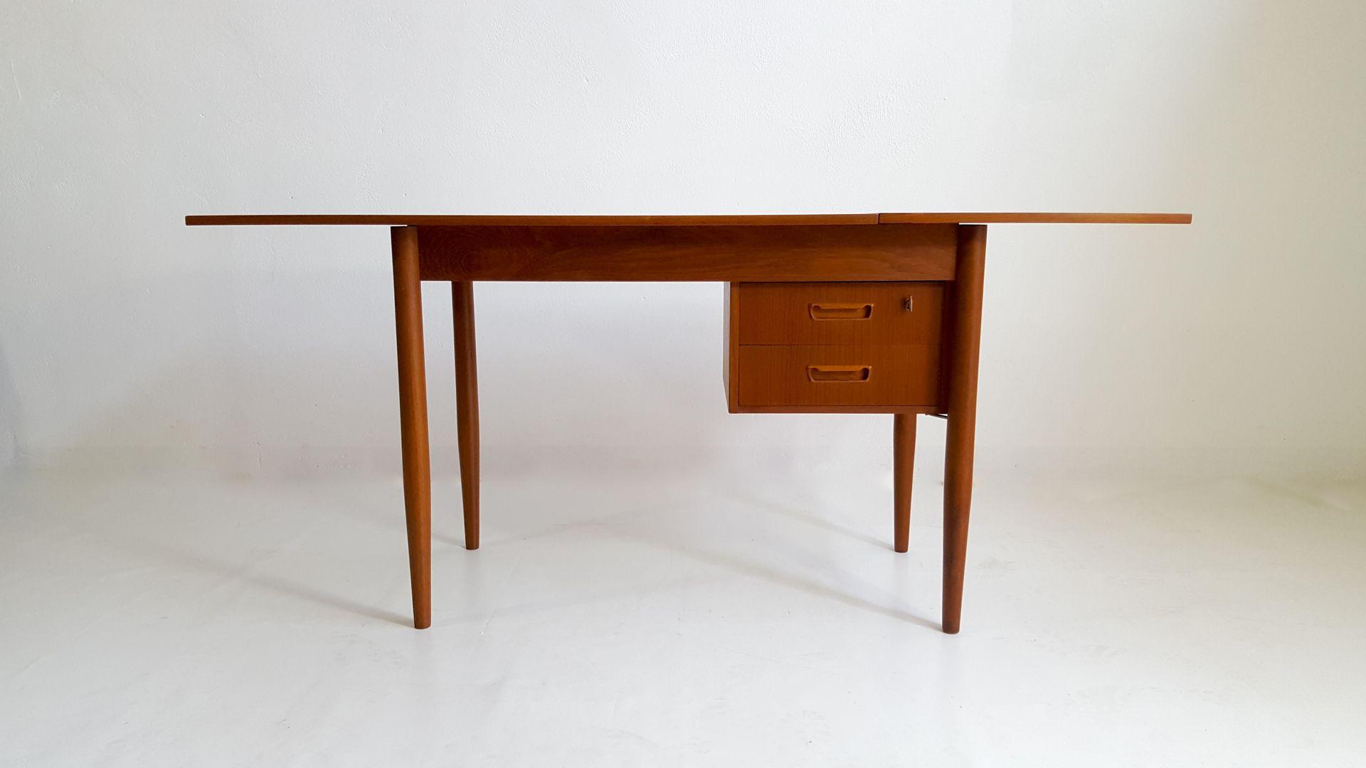 Scrivania Vintage Usata : Scrivania vintage. scrivania. elegante scrivania vintage anni. usato