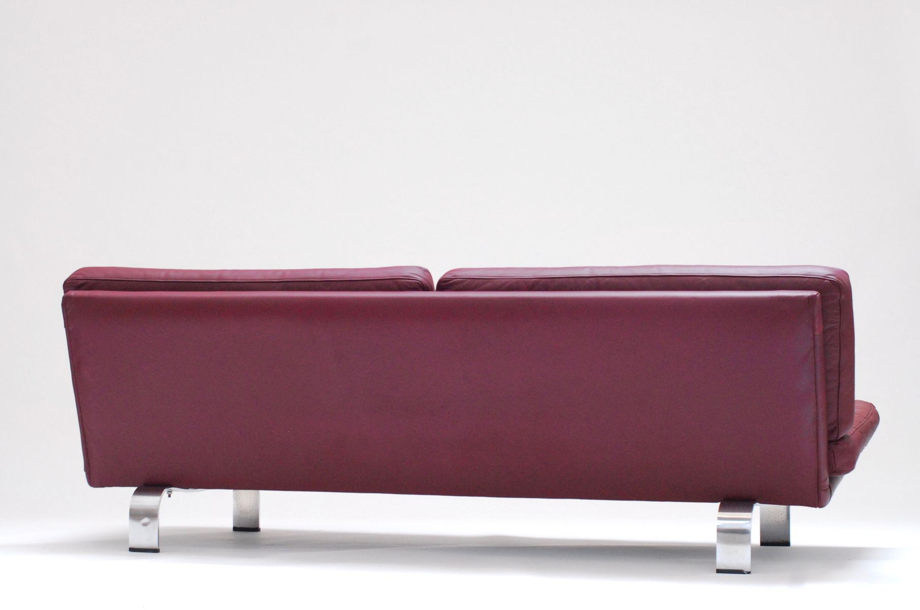 Italian plum leather sofa 1960s for sale at pamono for Italian leather sofa
