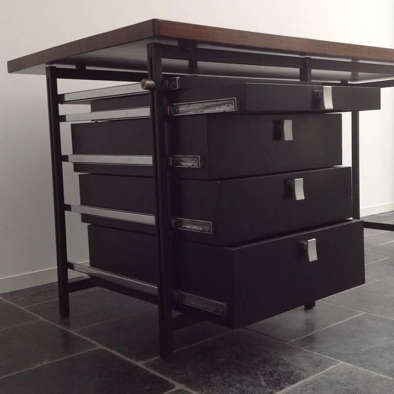bureau avec plateau en weng massif par jules wabbes for mobilier universel 1959 en vente sur. Black Bedroom Furniture Sets. Home Design Ideas