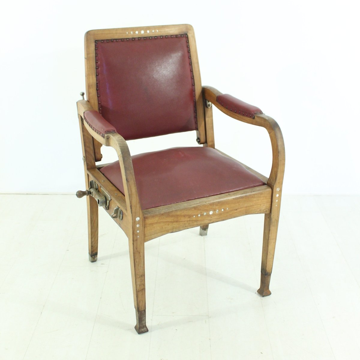 Hairdresser 39 s chair 1920s for sale at pamono for Hairdressing chairs