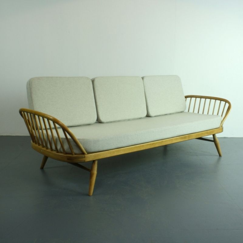 vintage modell 355 stufio sofa in blond und grau von lucian ercolani f r ercol bei pamono kaufen. Black Bedroom Furniture Sets. Home Design Ideas