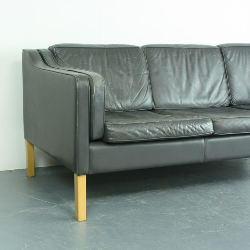 Vintage 3 seater sofa in charcoal gray leather for sale at for Gray sofas for sale