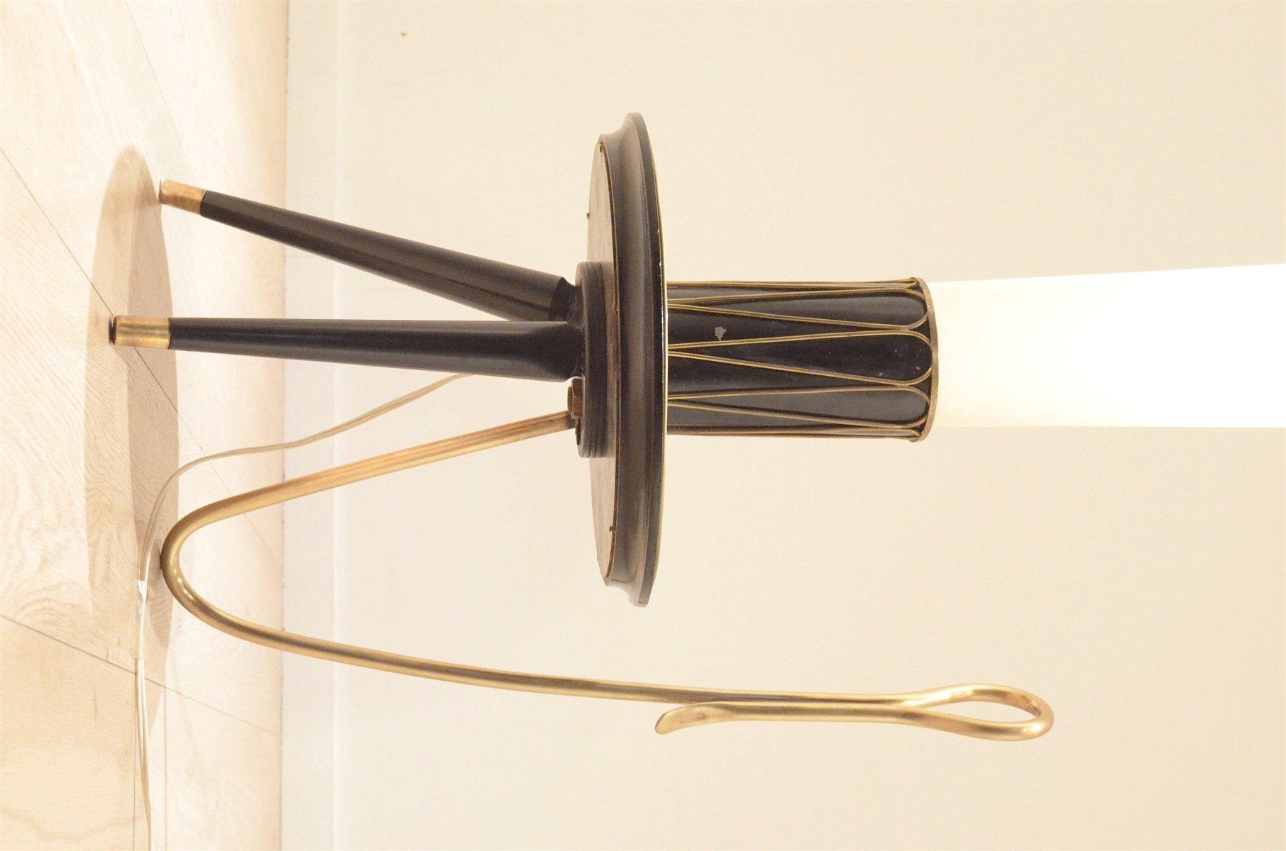 italienische mid century dreibein stehlampe aus messing und lackiertem holz bei pamono kaufen. Black Bedroom Furniture Sets. Home Design Ideas