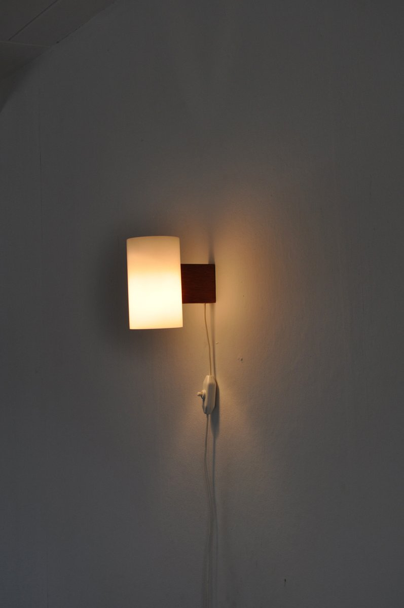 Vintage minimalist wall lamp by uno sten kristiansson for Minimalist wall