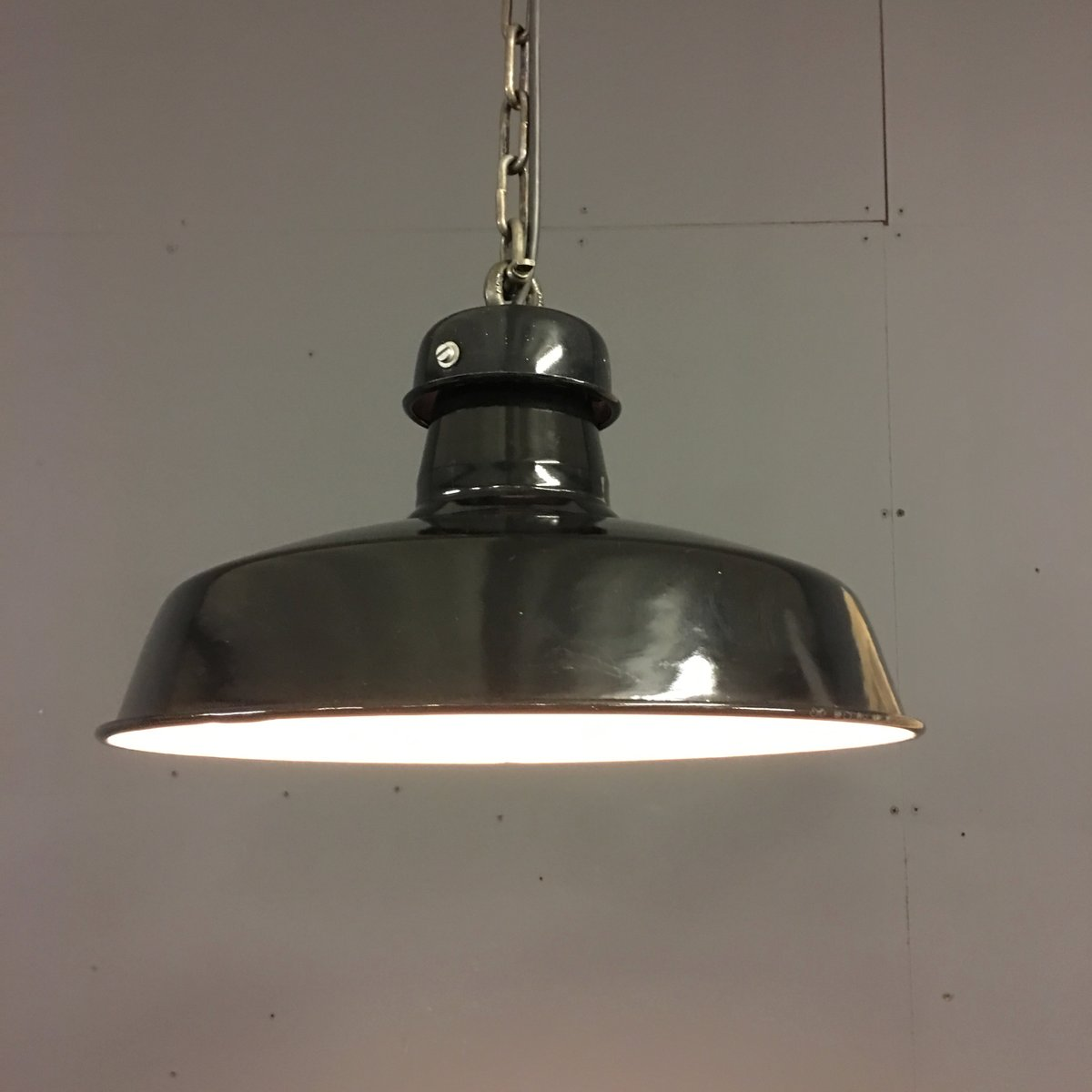 french industrial factory pendant light in black enamel. Black Bedroom Furniture Sets. Home Design Ideas