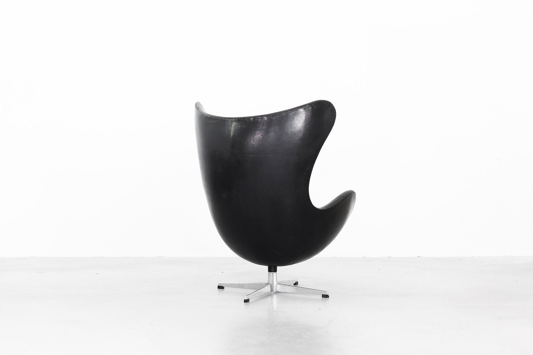 vintage egg chair by arne jacobsen for fritz hansen 1963 for sale at pamono. Black Bedroom Furniture Sets. Home Design Ideas