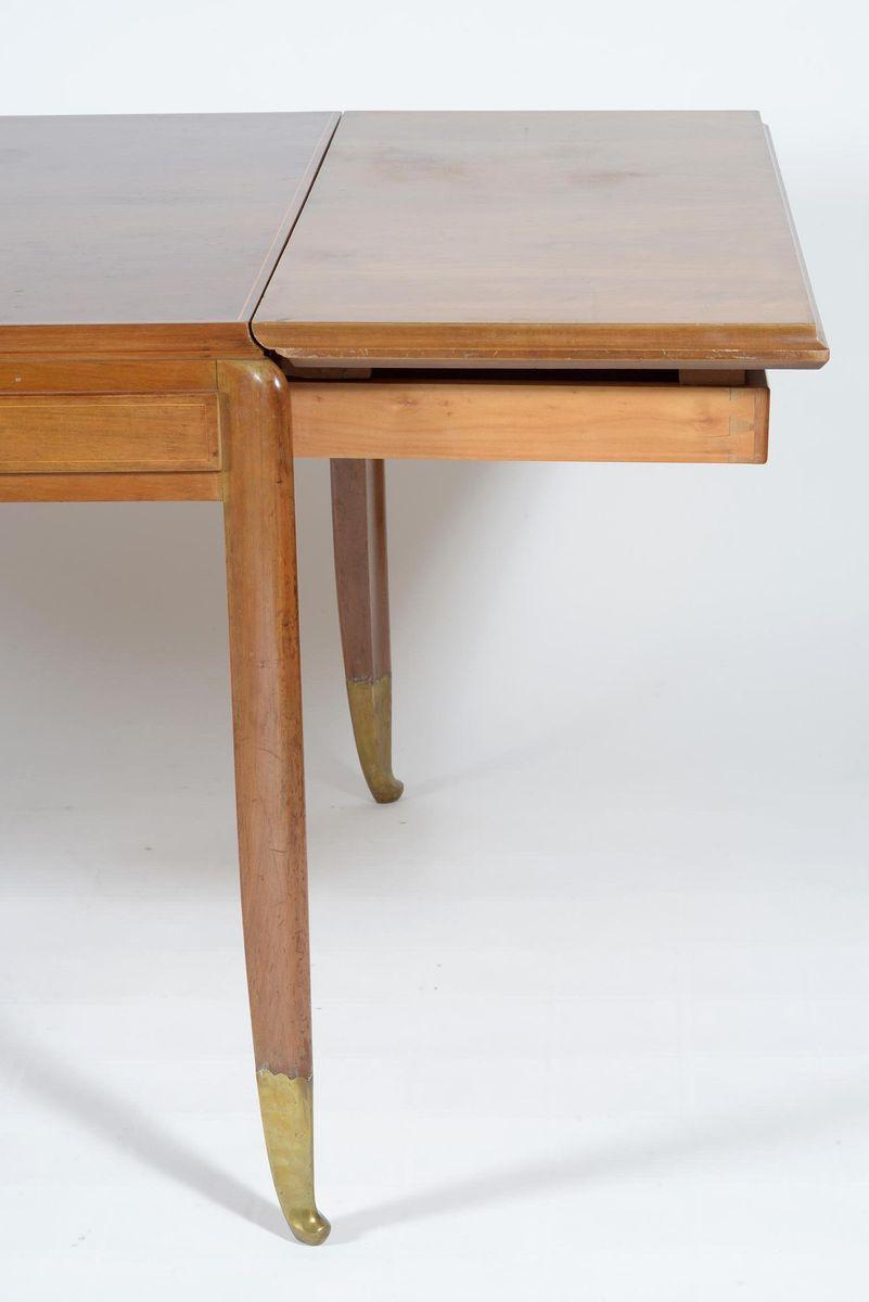 quadratischer italienischer walnuss esstisch von atelier. Black Bedroom Furniture Sets. Home Design Ideas