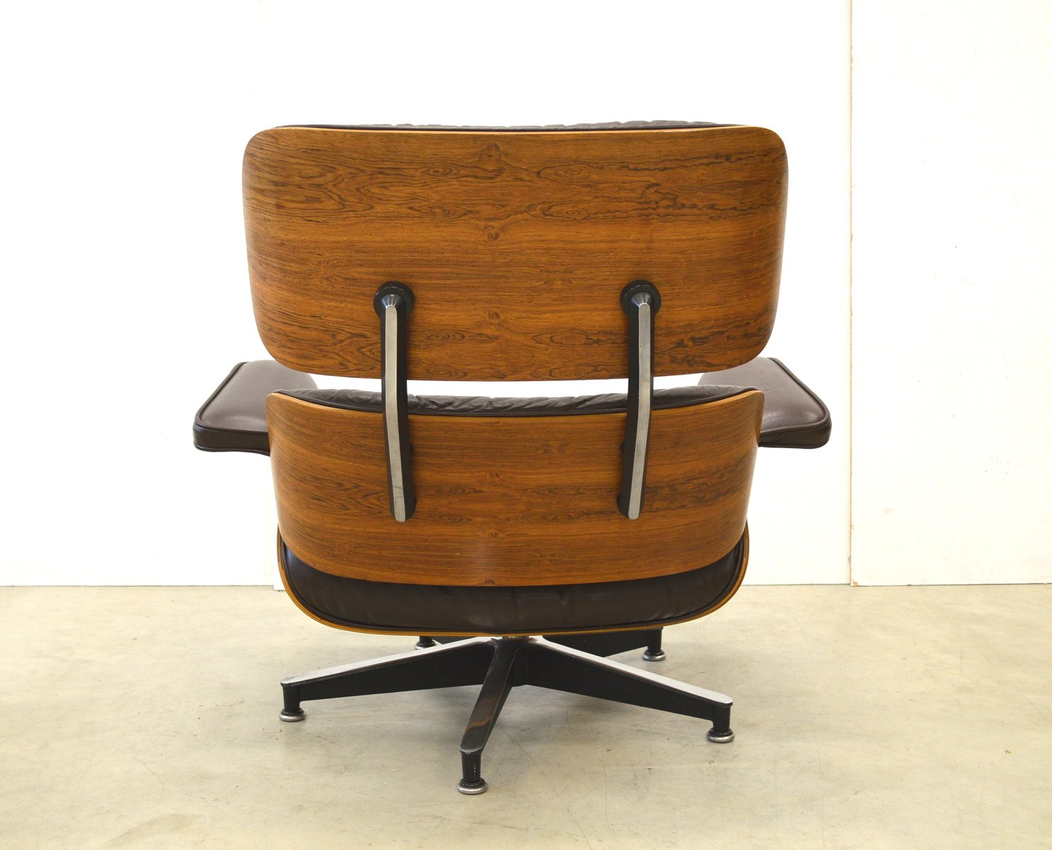 Vintage rosewood lounge chair by charles ray eames for herman miller 1 - Vintage herman miller ...