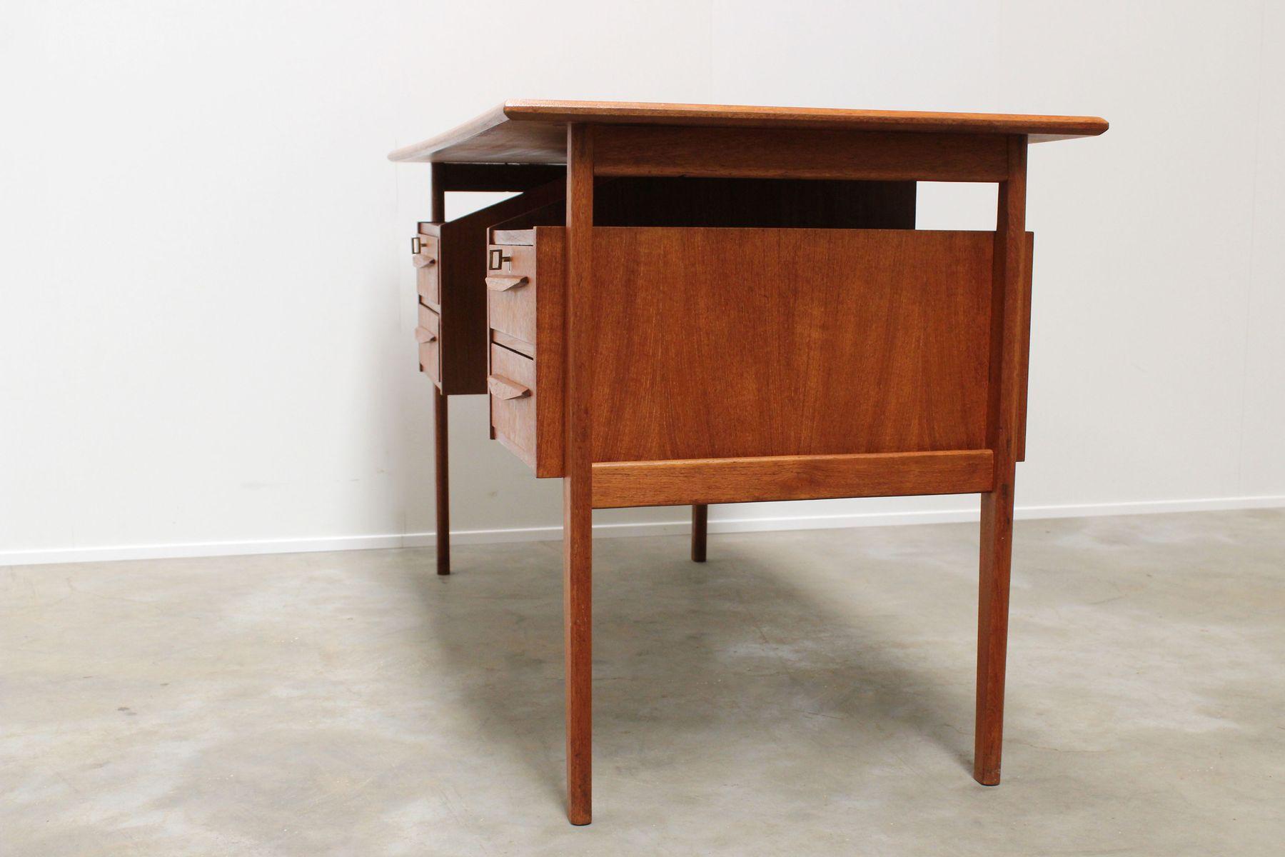 d nischer teak schreibtisch mit schwebender arbeitsplatte. Black Bedroom Furniture Sets. Home Design Ideas