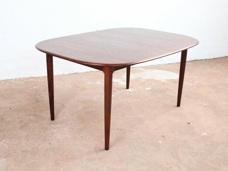 Ovaler d nischer palisander tisch 1960er bei pamono kaufen for Palisander tisch