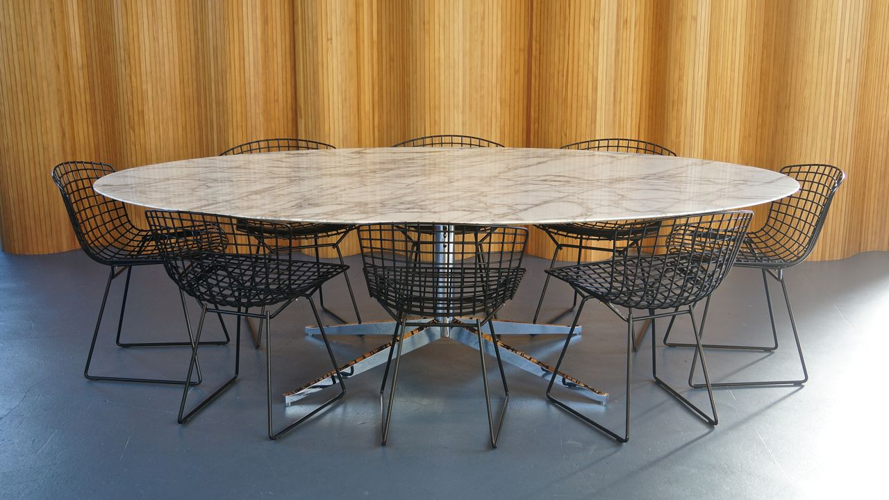 mid century white calacatta oval marble dining table from knoll for sale at pamono. Black Bedroom Furniture Sets. Home Design Ideas