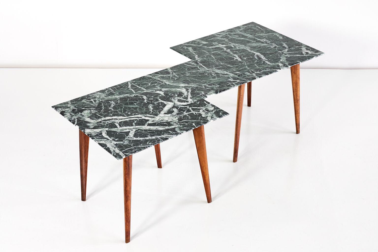 Table basse g om trique avec plateau en marbre vert for Table basse scandinave vert d eau