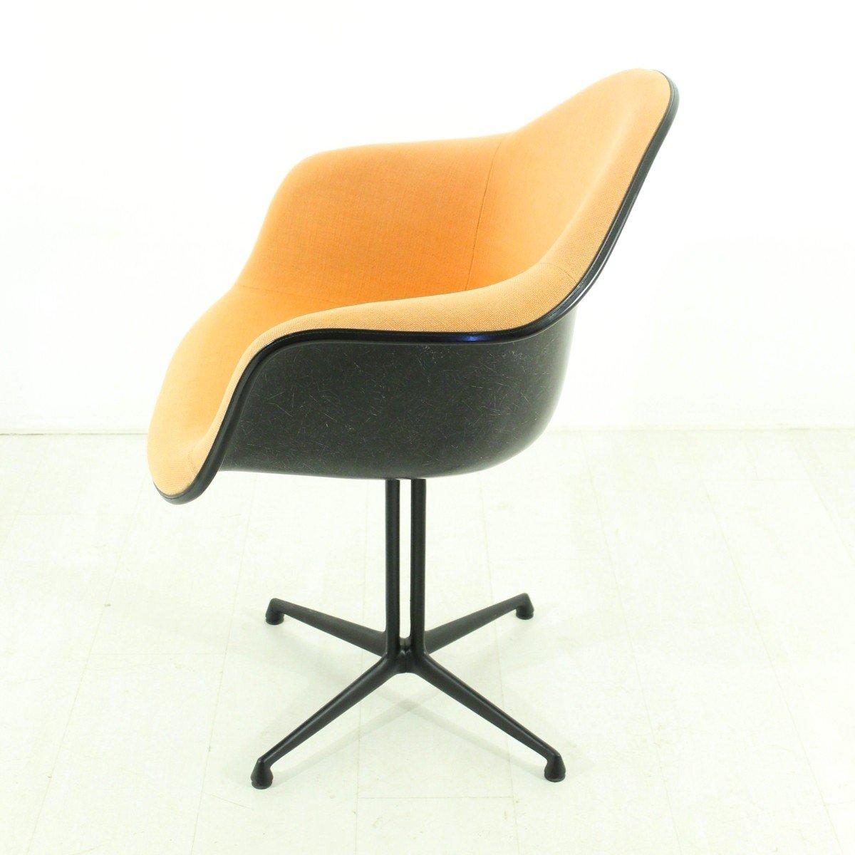 vintage terrakotta la fonda sessel von charles ray eames. Black Bedroom Furniture Sets. Home Design Ideas