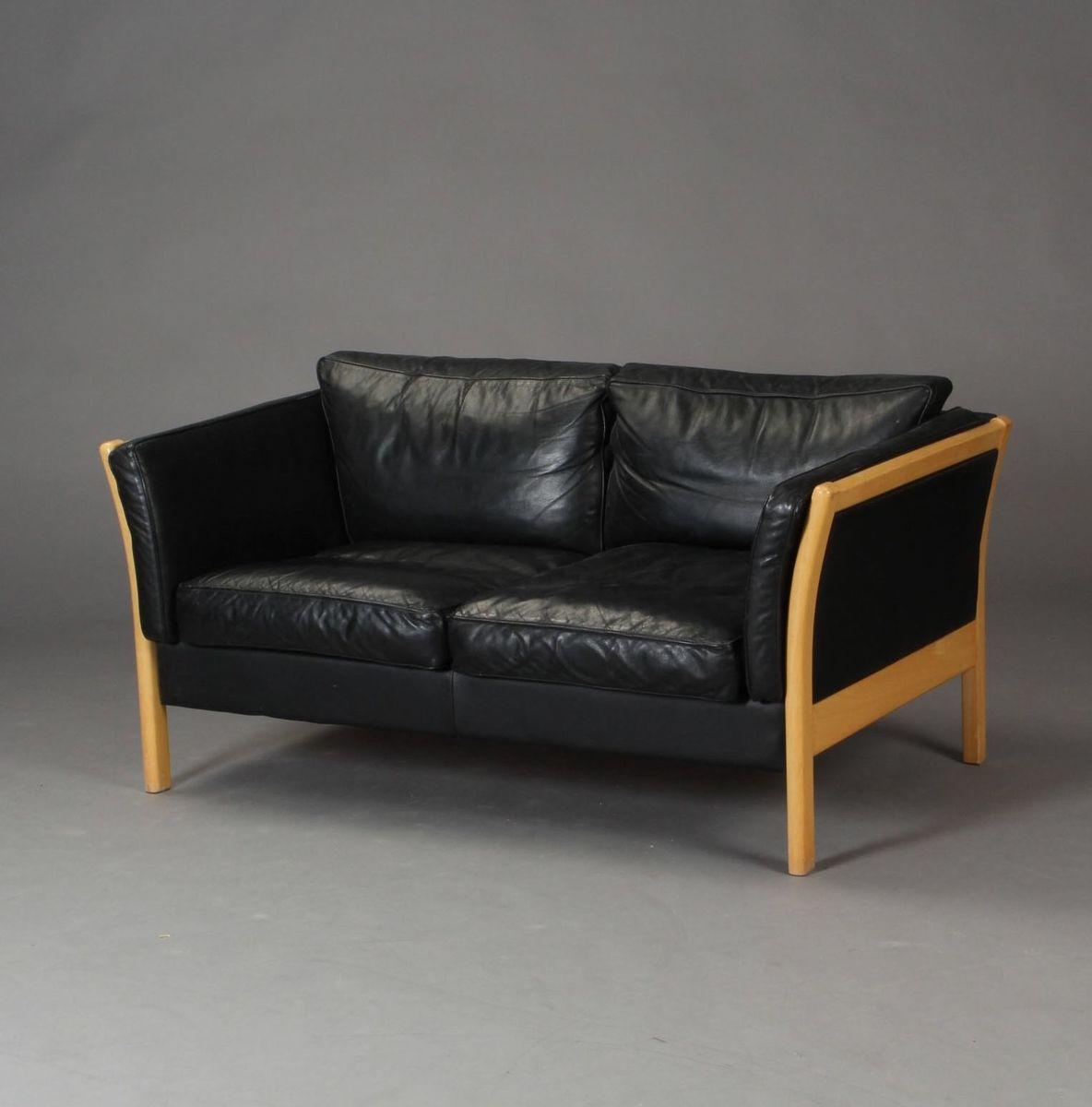d nisches 2 sitzer sofa aus lackierter buche und schwarzem leder bei pamono kaufen. Black Bedroom Furniture Sets. Home Design Ideas